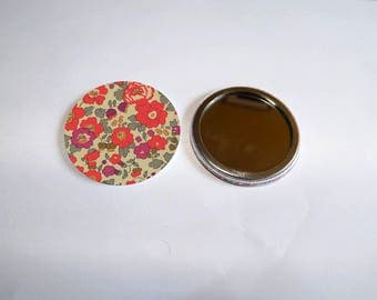 """liberty print Pocket mirror 4"" it measures 5.8 cm in diameter"