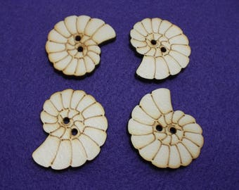 4 buttons, shell, wood, 4 cm (15-0019B)