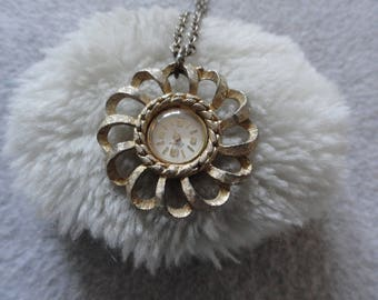 Vintage Wind Up Swiss Made Endura Necklace Pendant Watch