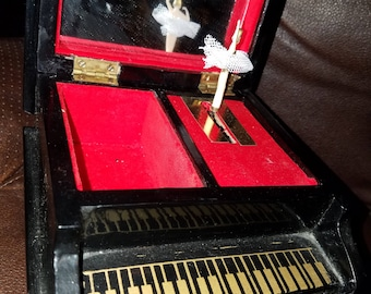 Vintage Piano Ballerina Music Box Made in Shanghi
