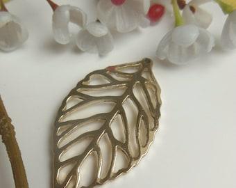 pretty pendant shaped sheet metal
