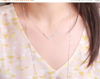 ON SALE Sterling silver hand hammered V bar necklace - everyday simple jewelry