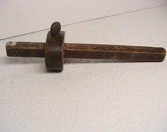 Ruler, Vintage 7 Inch Wooden Carpenters Ruler