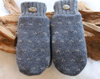 Wool sweater mittens lined with fleece with Lake Superior rock buttons in blue and white, Christmas, coworker gift, winter wedding, winter