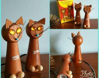 1960s deadstock kitty salt and pepper shakers