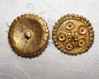Big button medieval shield crafted gold plated 3.5 cm medium tribal ethnic style vintage age