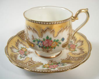 Royal Albert Hand Painted  Tea Cup and Saucer, Royalty tea cup and saucer set, Gold Tea cup and Saucer.