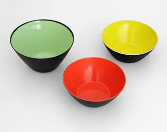 Erich Kolbenheyer EKW Made in Austria Enamel Bowls // Midcentury Set of Three Black Bowls with Colorful Enameled Interior