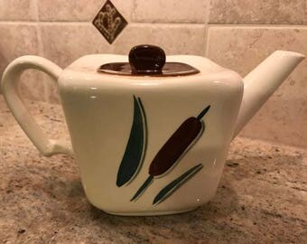 vintage Continental Kilns Cat-tail square tea pot with lid