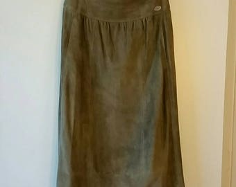 VTG CHANEL Taupe Suede Fall Day Skirt