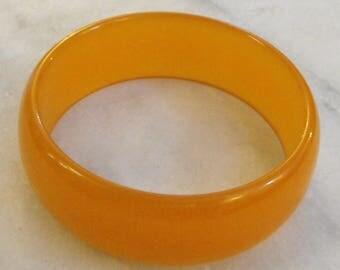 Vintage Butterscotch Bakelite Bangle Bracelet