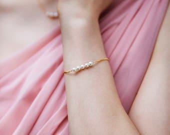 Freshwater pearl bracelet bridesmaid bracelet, delicate bracelet, bridesmaid jewellery pearl - Beth