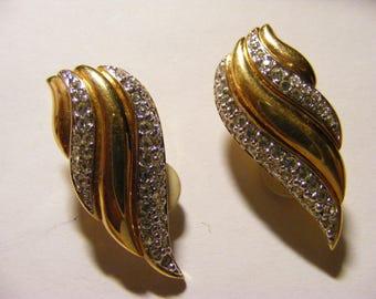 vintage Gold Tone Swarovski Crystal Tear Drop Clip on Earrings Nice.
