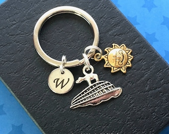 Cruise ship keychain - Personalised cruise ship keyring - Gift for cruise lover - Christmas gift - Stocking filler - Stocking stuffer - UK