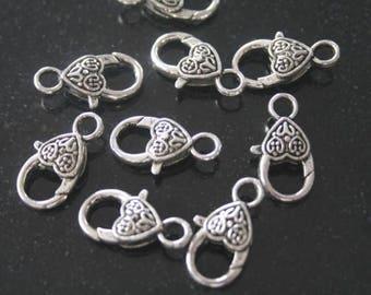 2 metal clasps. (ref:0047).