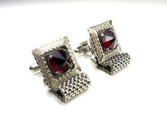 Vintage Ruby Red Stone Mesh Cuff Links. Silver Tone Faceted Glass Crystal Plated Wrap Cufflinks. 60s 70s Accessory Set