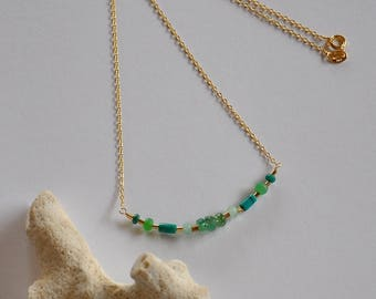 Dainty Choker precious Emerald stones chrysoprases, and turquoise on a thin chain gilded in gold plated 22 k