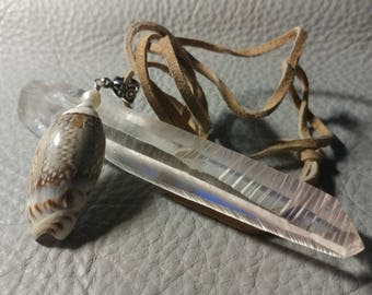 Small Shell Pendant with leather Chord