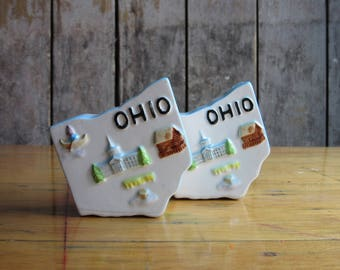 Vintage Ohio Salt & Pepper Shaker Set, State Shape, Midwest,Landmarks,Collectible Souvenirs,Kitsch,Retro Table, US, U.S.,United States,White