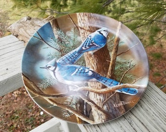 "1985 ""The Blue Jay"" Birds of Your Garden by Kevin Daniel Encyclopedia Britannica Collectors Plate"