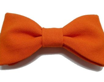 Bright orange bow with straight edges