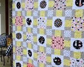 Bouncing Off The Walls PDF Quilt Pattern, Cat Quilt, Theme Print Quilt