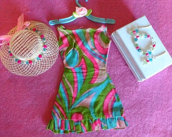 """Vintage Barbie """"SWIRLY QUE"""" #1822 Dress, Hat, Hanger & Matching Jewelry  Excellent!!"""