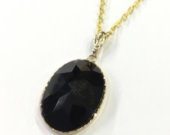 9ct gold onyx pendant