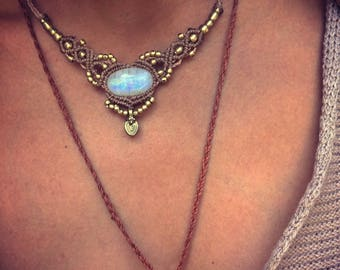 Moonstone necklace, Macrame necklace, Boho Chic, Gypsy, Gift, Festival Jewelry, Healing Crystals, Rainbow moonstone, Ethnic necklace