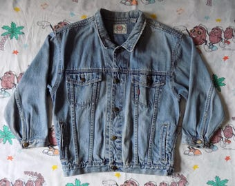 Vintage 90's Bugle Boy Gold Crest denim Jean Jacket, size Medium worn in
