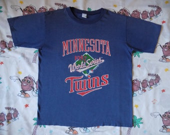 Vintage 80's Minnesota Twins 1987 World Series Champs T shirt, size Large soft and thin MLB