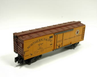 Vintage American Flyer 947 Northern Pacific Reefer Box Car Rolling Stock S-Scale