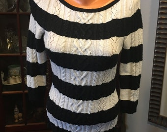 White House Black Market, black and white sweater, cashmere blend, XS