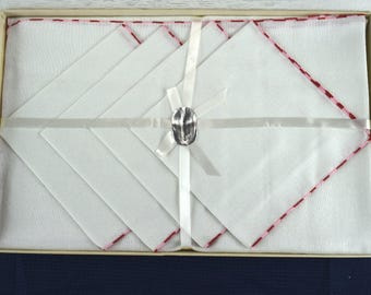Vintage Boxed Linen Tablecloth and Napkin Set White with Pink and Red NOS New Old Stock