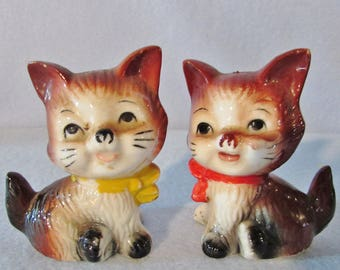 Kitten Salt and Pepper Shakers, Cat Salt and Pepper Shakers, Vintage Shakers