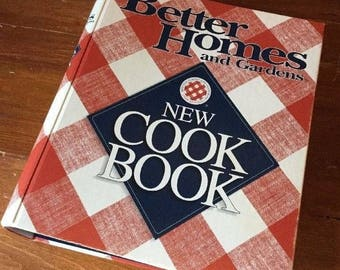 Better Homes And Gardens New Cookbook Hardcover 1998 Meredith Corporation  575 Pages Excellent Condition