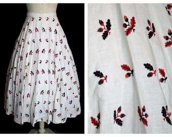 Original Vintage 1940's White Acorn And Oak Leafs Novelty Print Skirt