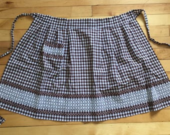 Vintage 1960s Brown Gingham Embroidered Half Apron!