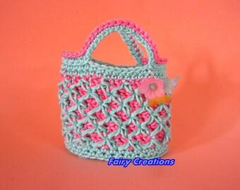 Small crochet purse-idea favor