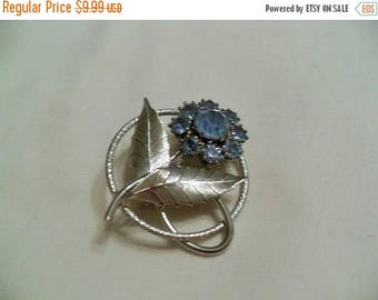 CLEARANCE Blue rhinestone flower silver circle brooch, vintage jewelry Gingerslittlegems