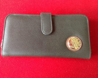 Vintage Mundi Dark Green (olive) clutch wallet EUC