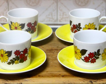 Vintage  Tea Cups and Saucer s retro flower pattern set of 4