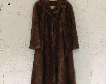 Timeless Elegance! French Vintage Mink Fur Coat