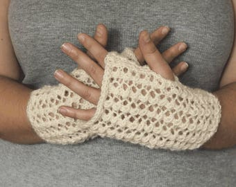 Fingerless gloves in acrylic - cream wristwarmers, fingerless mitts, hand-knitted, soft and cosy