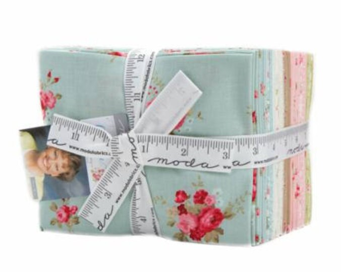 Caroline by Brenda Riddle of Acorn Quilts for Moda Fat Quarter Bundle 31 FQ