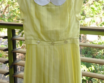 Mint condition 1960's Girls Pleated Dress