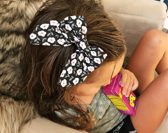 "SALE- Midnight Garden  : ""retro"" bow on clip"