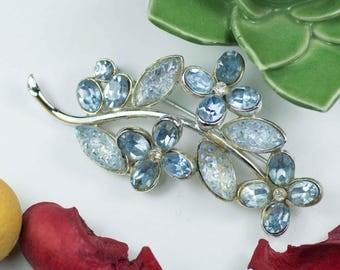 Spilla vintage anni '60 firmata CHAREL ramo di fiori con cristalli acquamarina.