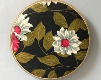 ANTIQUE CHOCOLATE BOX / Candy box / 20s / 30s / 40s / Padded lid / Fabric / French / German / Round / Floral / Shabby chic / Home decor