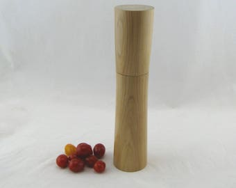 Spices and peppermill grinder in Pear wood ,Elegant style with rod mechanisme  10 7/8 in article no: 570